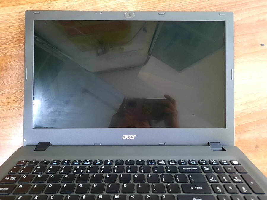 Laptop Acer Aspire E5 - 573G core i5