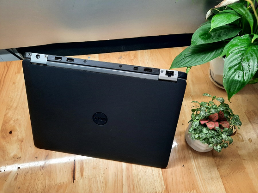 Laptop Dell latitude E7270 core I5